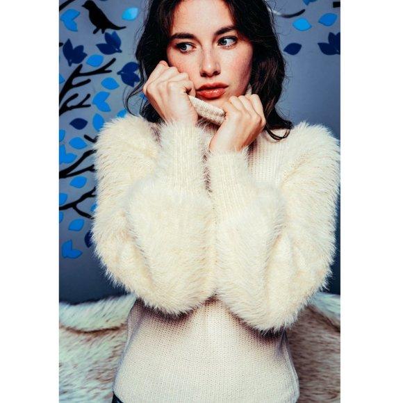 NET 153 Sweaters - 🥳🥳 HP🥳🥳Faux Fur Sleeve Turtleneck Sweater NWT